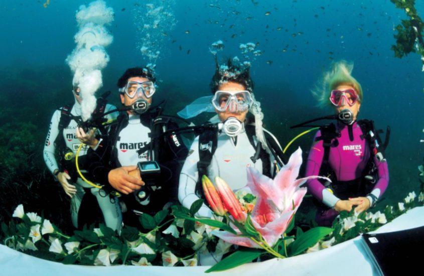 Matrimonio subacqueo nella baia di Morcone all'isola d'Elba